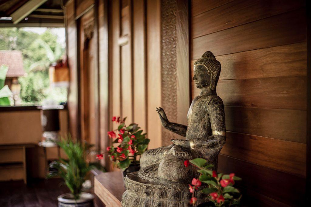buddha-statue-yogis-garden-bali